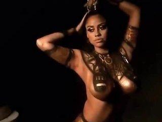Ebony Cos Play Model Cleopatra Body Paint
